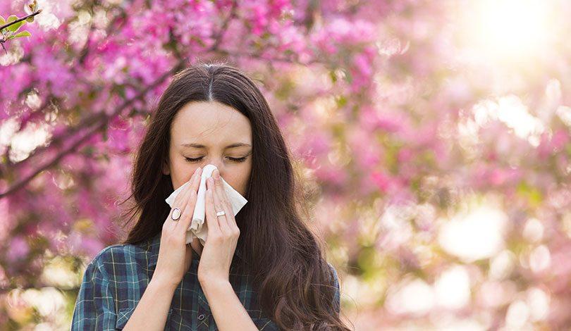 秋の花粉症にご注意ください。